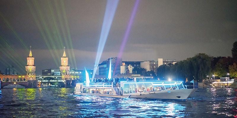 MS Belvedere beim Berliner Lichterfest
